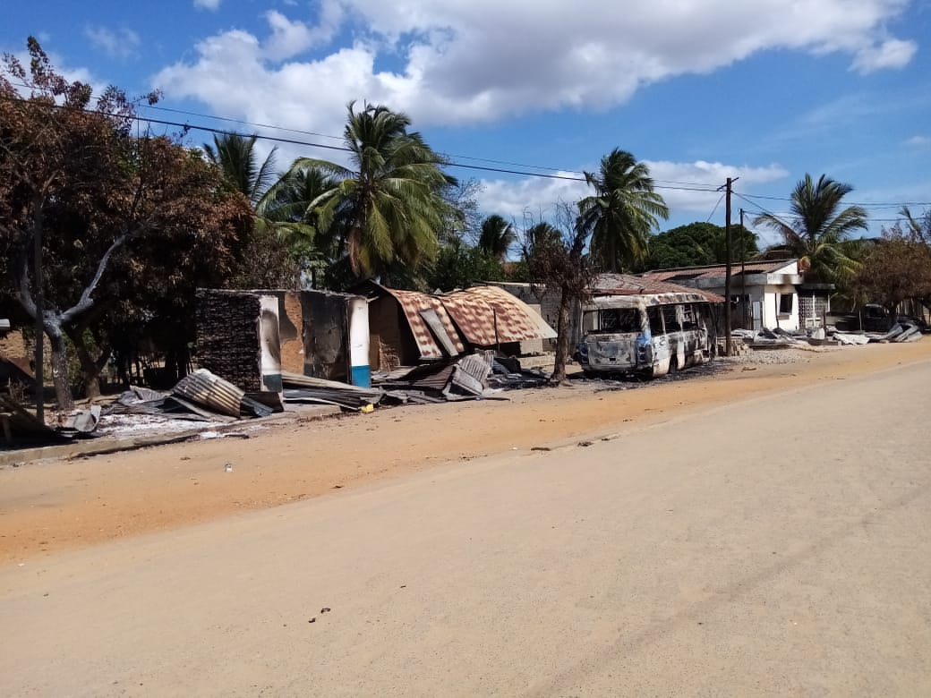 """MOZAMBIQUE: Catholic priest denounces abduction of """"hundreds"""" of children by jihadists – boys to be forced to become child fighters, and girls to be abused as """"child brides"""""""